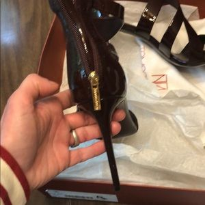 Tamara Mellon Shoes - Tamara Mellon tiger 105 heels 39 burgundy patent